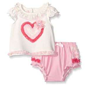 NWT Nannette Heart Baby Girls Ruffle Shorts Outfit